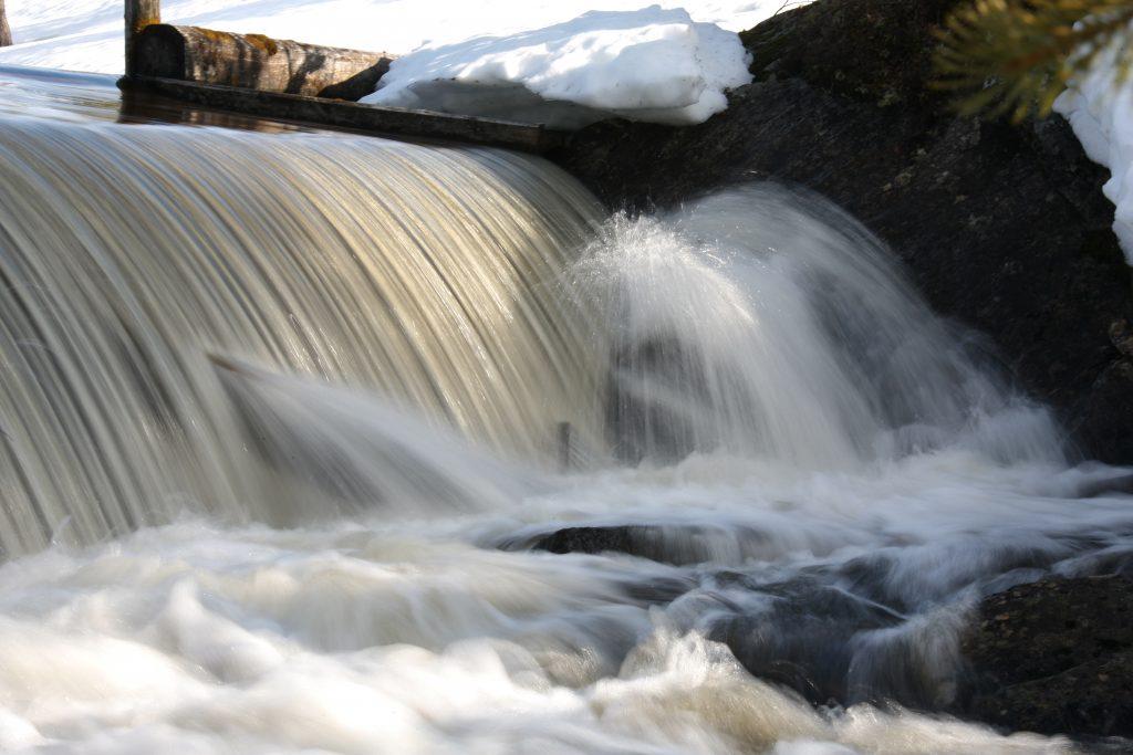 Regulerte vann og isfare