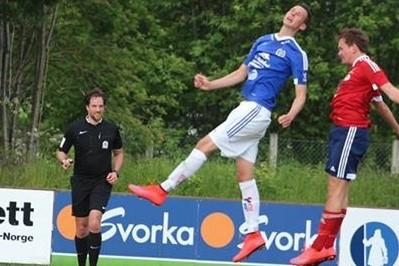 Fotball m Svorkaskilt